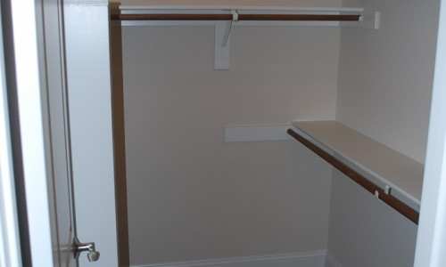 JMB HOMES Augusta Ridge - Lot 8 Woodbridge closet