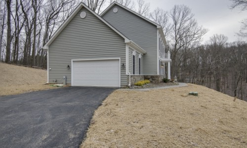 JMB HOMES 3 Kroms Drive in Kroms Keep exterior driveway