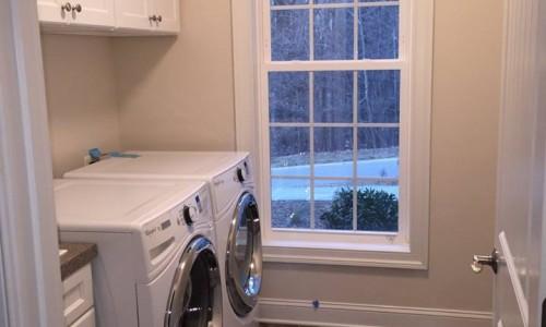 Custom Home in Timonium laundry room