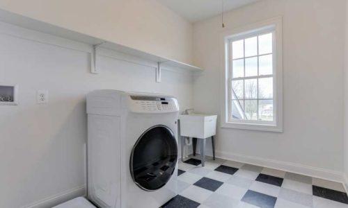 43-Oakdale-Laundry