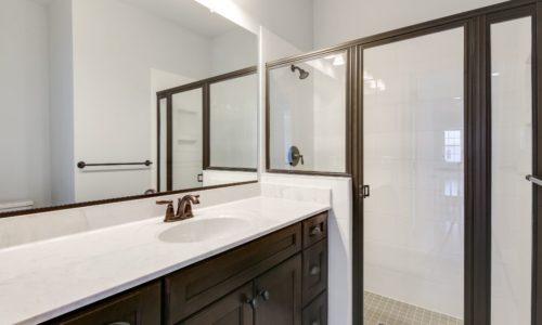 27 Marimar Upper Level Bath