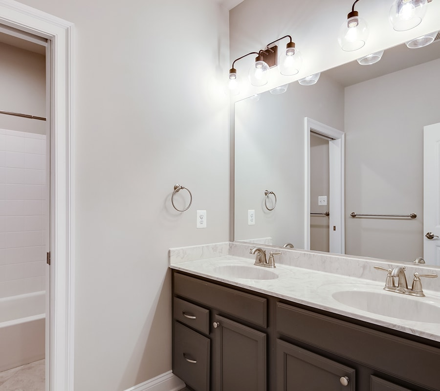 Custom Oakdale Bathroom